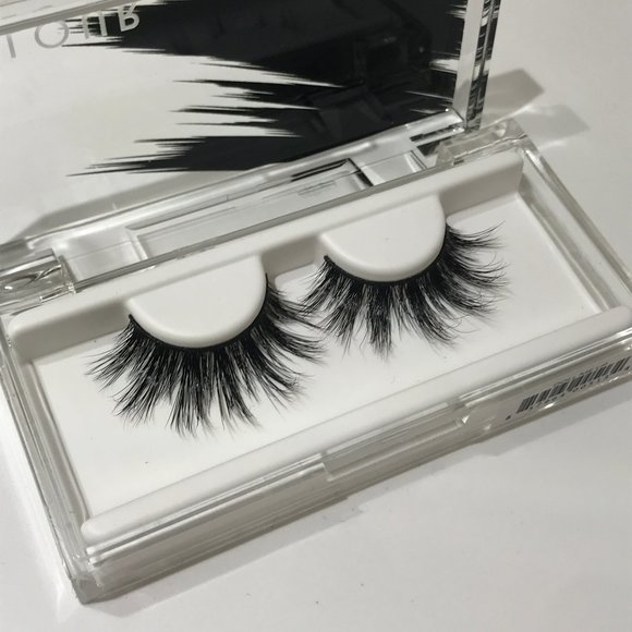 Velour Lashes - Doll Me Up w Box